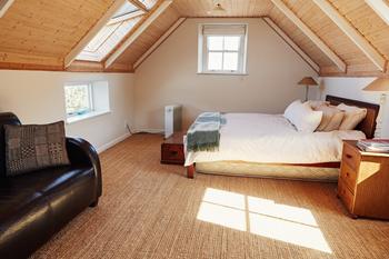 Chambre dans des combles aménagés